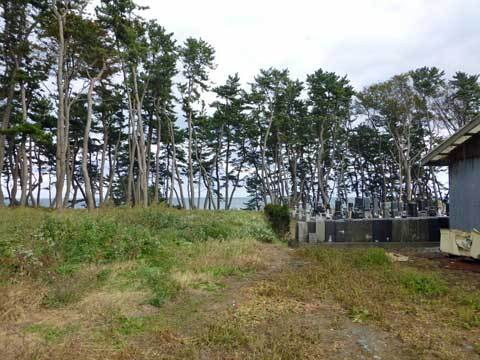 鹿糠の墓地