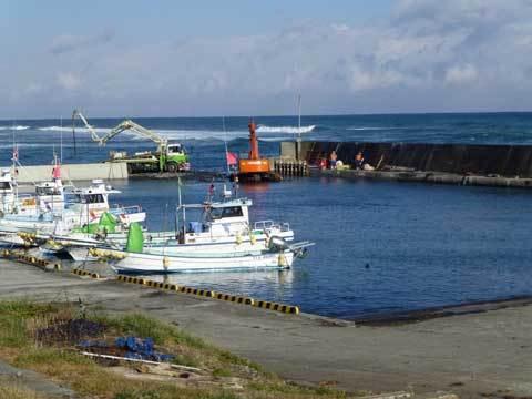 宿戸漁港の堤防復旧