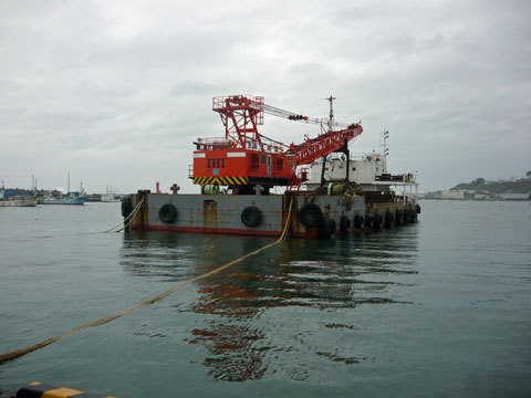 サルベージ船