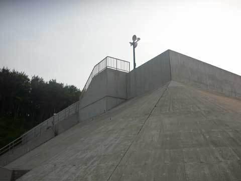 川尻漁港の防潮堤