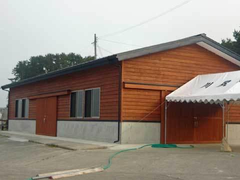 川尻漁港の荷捌き小屋