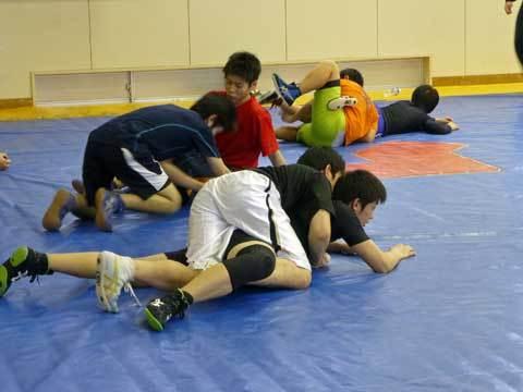 レスリングの練習風景