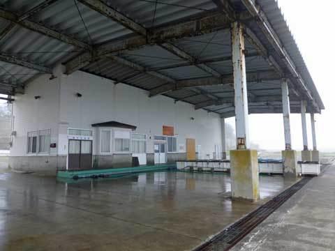 種市漁港の市場