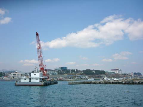 種市漁港のサルベージ船