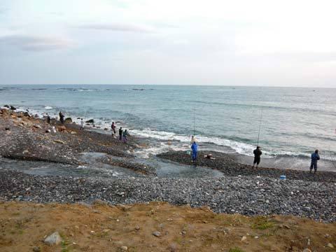 和座川釣り人