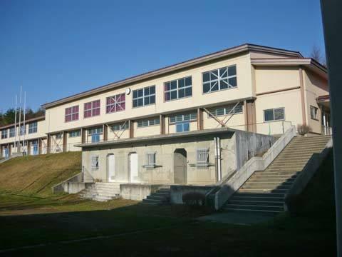 城内小中学校の体育館
