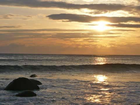 角の浜海岸の朝日
